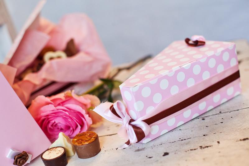 Krabičky na výslužky - růžové s puntíky