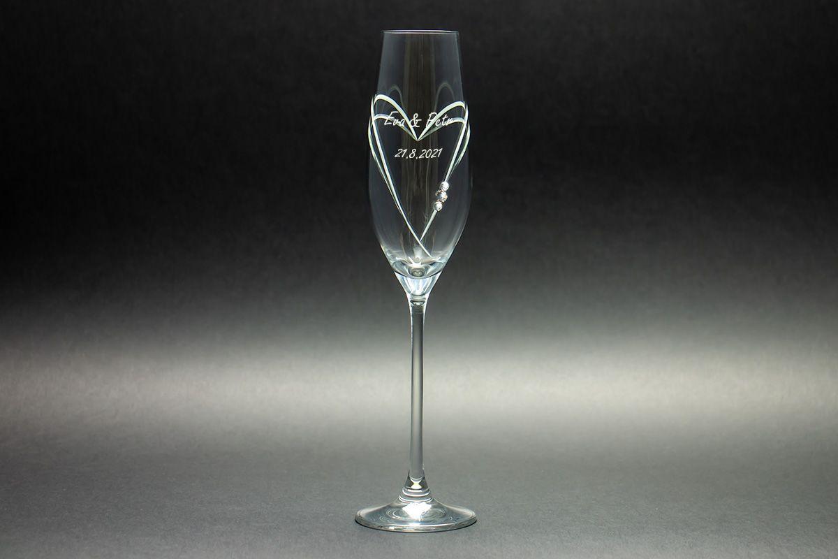 Skleničky na sekt s krystaly Swarovski s gravírováním - srdce - 2 ks