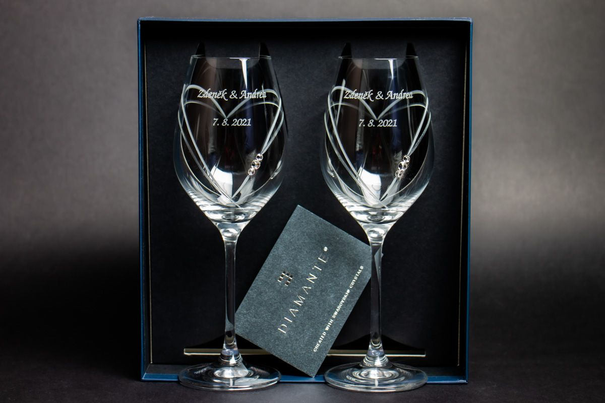Skleničky na víno s krystaly Swarovski s gravírováním - 2 ks