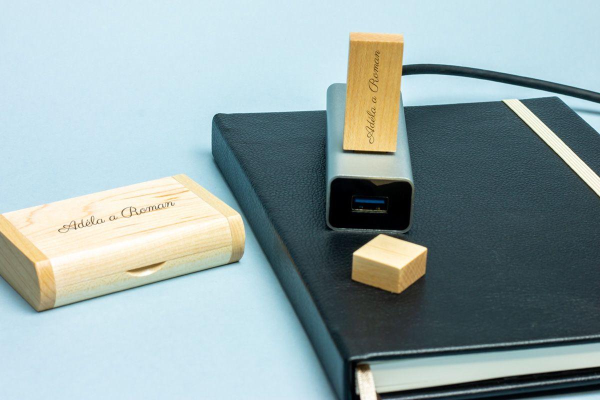 Dřevěný flashdisk 32 GB USB 3.0 s gravírováním na krabičku i flashdisk