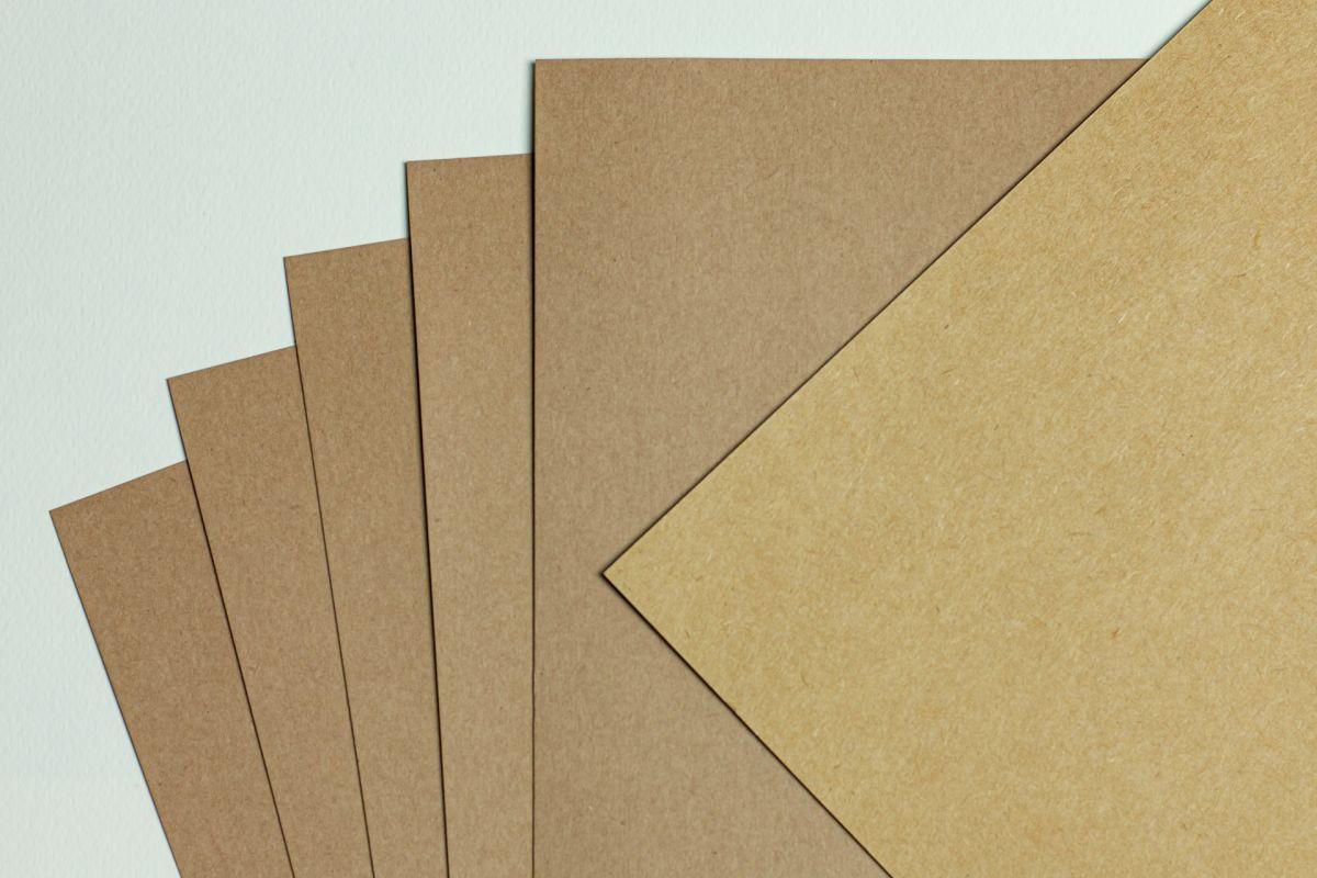 Tvrdý kraftový papír rustic A4 - 260g