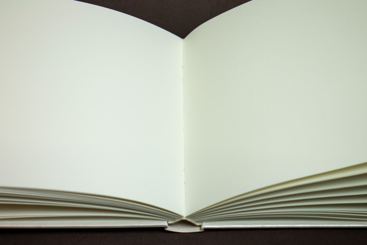 Velká svatební kniha hostů s mašlí - vnitřní listy