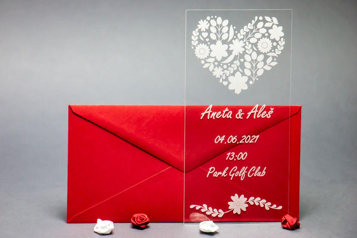 Originální svatební oznámení z plexi - Květinové srdce