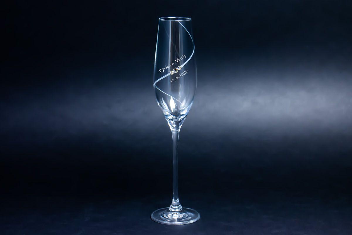 Skleničky na sekt s krystaly Swarovski s gravírováním - spirála - 2 ks
