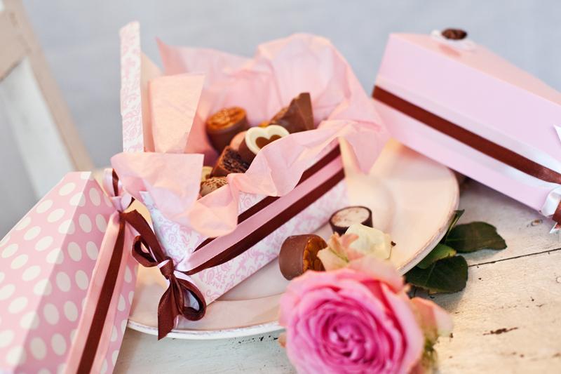 Krabičky na výslužky - růžové vintage