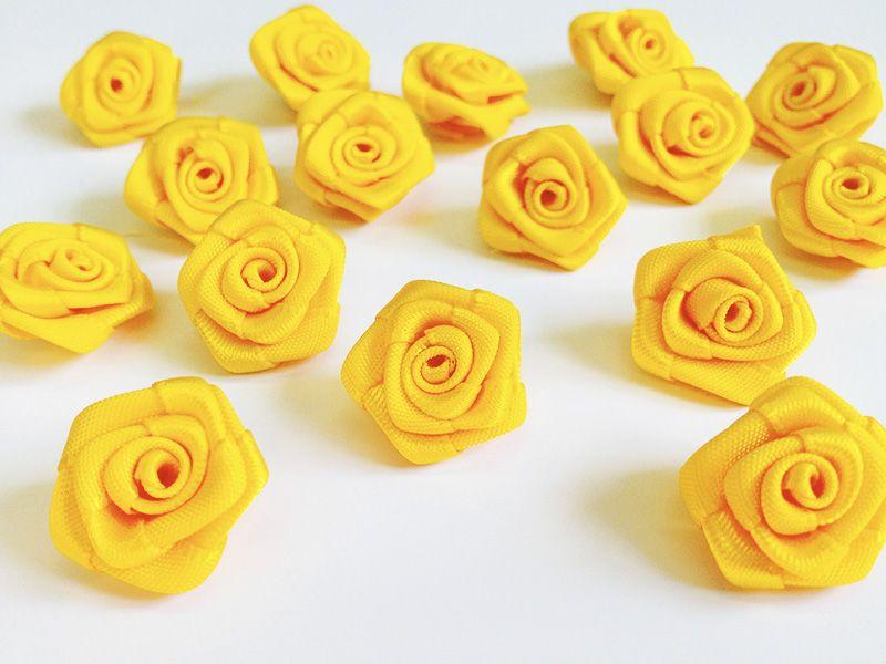Saténové růžičky žluté