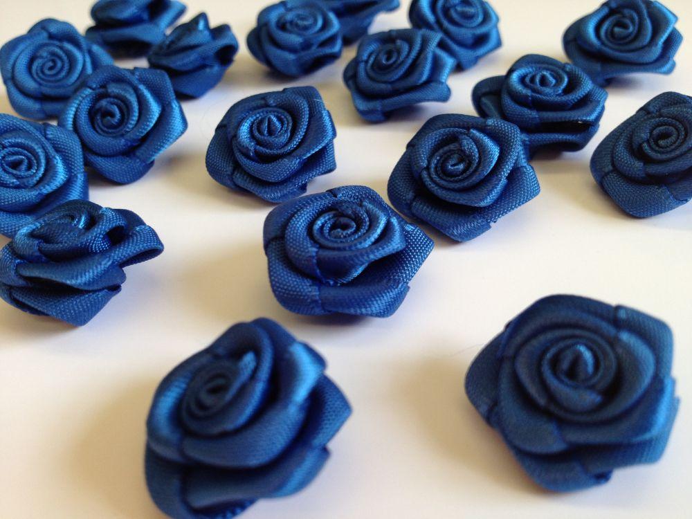 Saténové růžičky modré