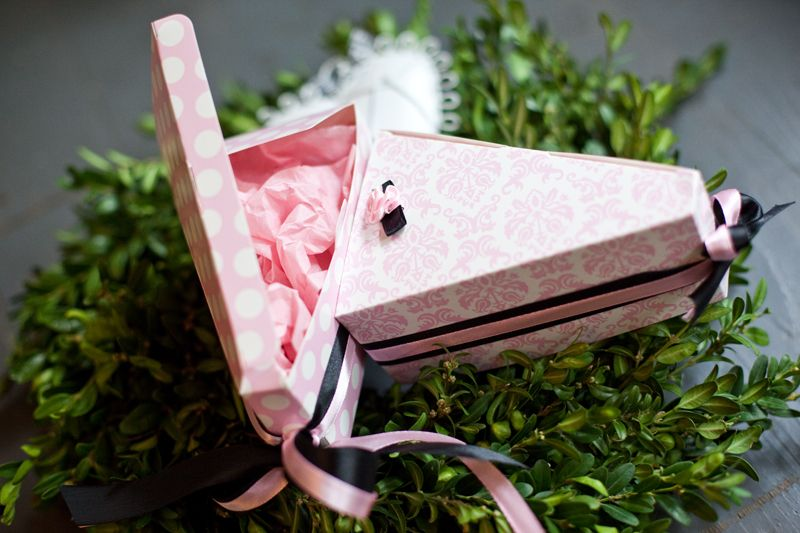 Saténové růžičky růžové