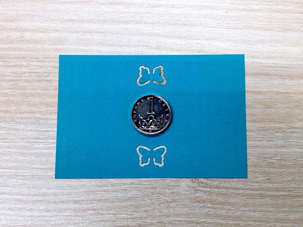Ozdobná děrovačka obrysová 15 mm - motýlek