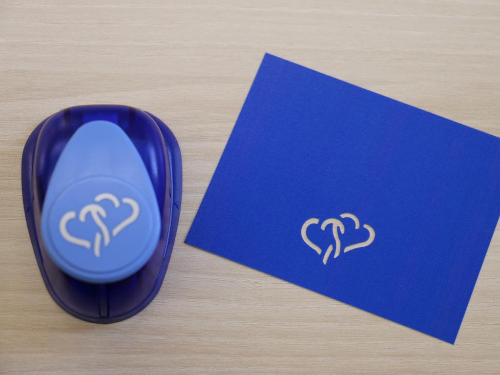 Ozdobná děrovačka 22 mm - 2 srdce