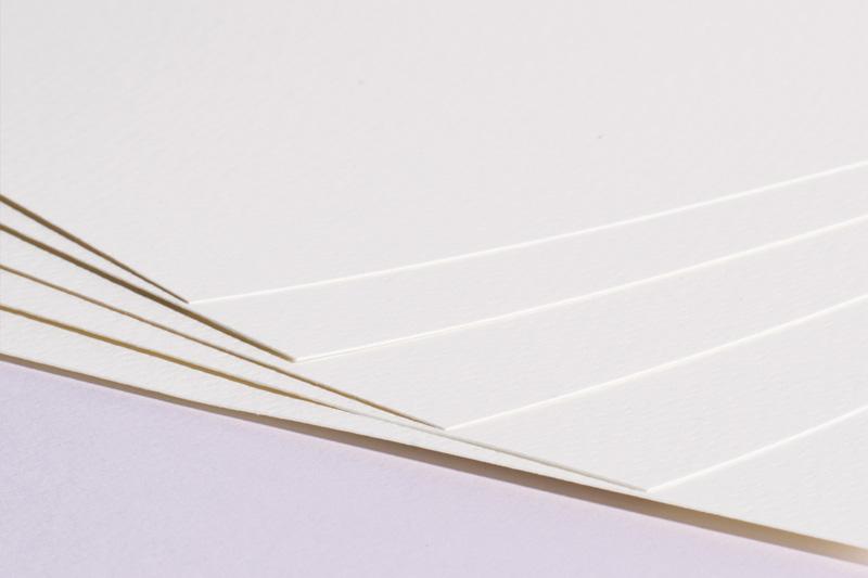 Strukturovaný papír A4 220g - bílý