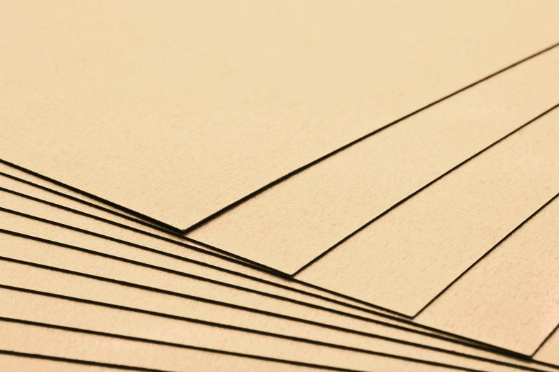 Tvrdý kreativní papír světle béžový A4 - 300g