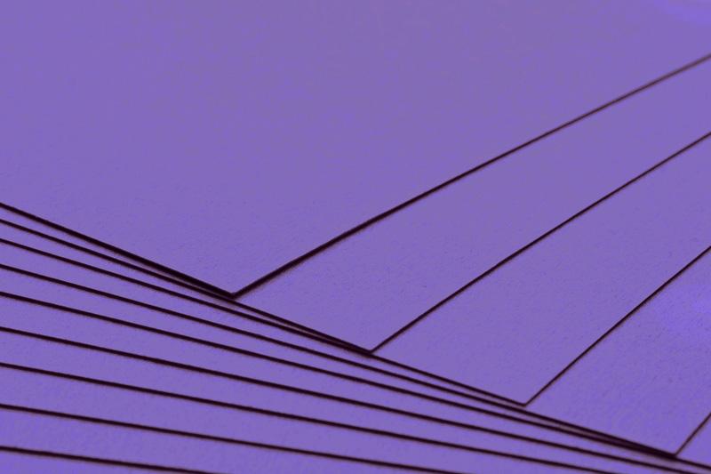 Tvrdý kreativní papír tmavě fialový A4 - 300g