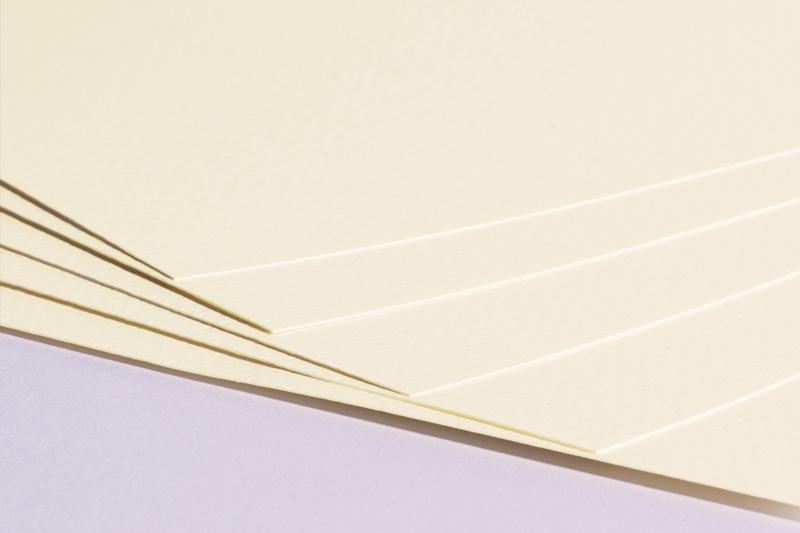 Strukturovaný papír A4 220g - champagne
