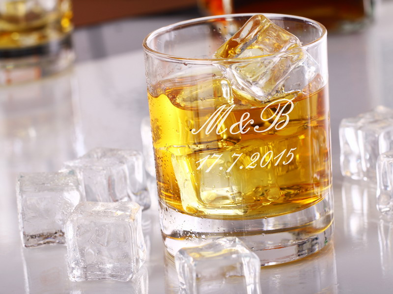 Sklenice whiskey se jménem 1 ks