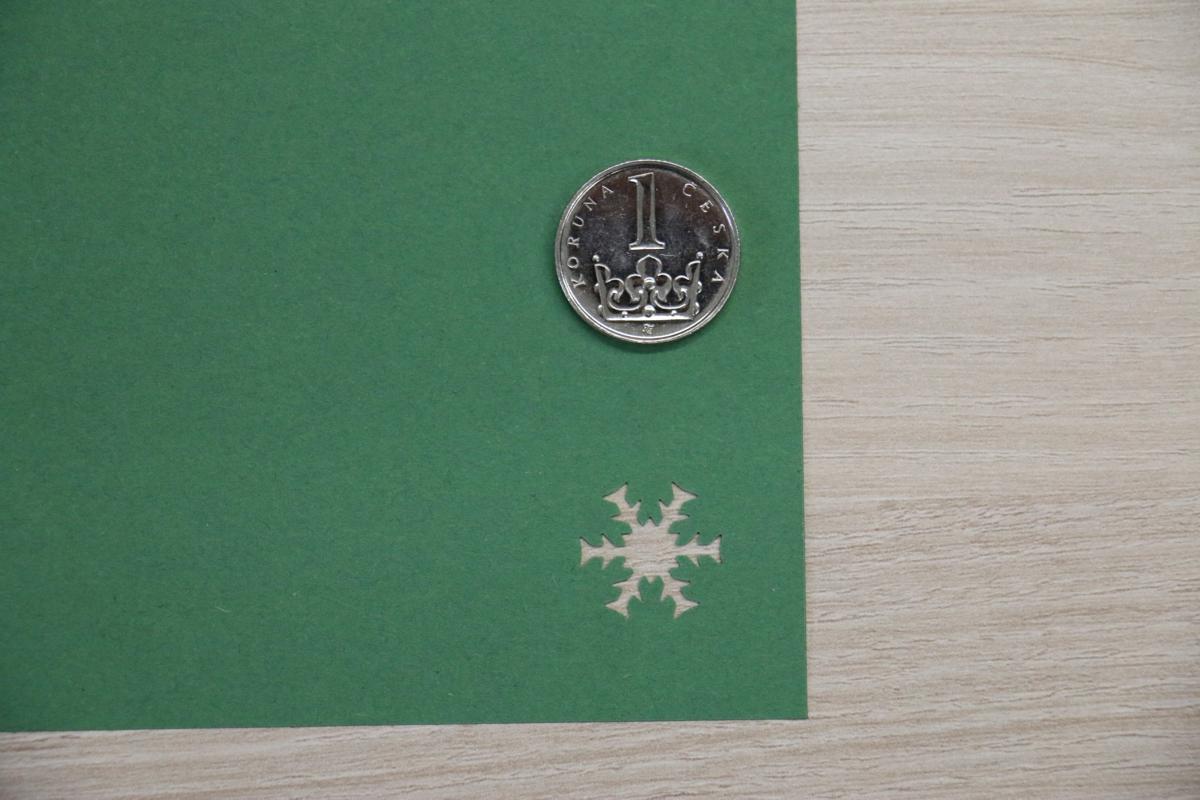 Ozdobná děrovačka 15 mm - sněhová vločka