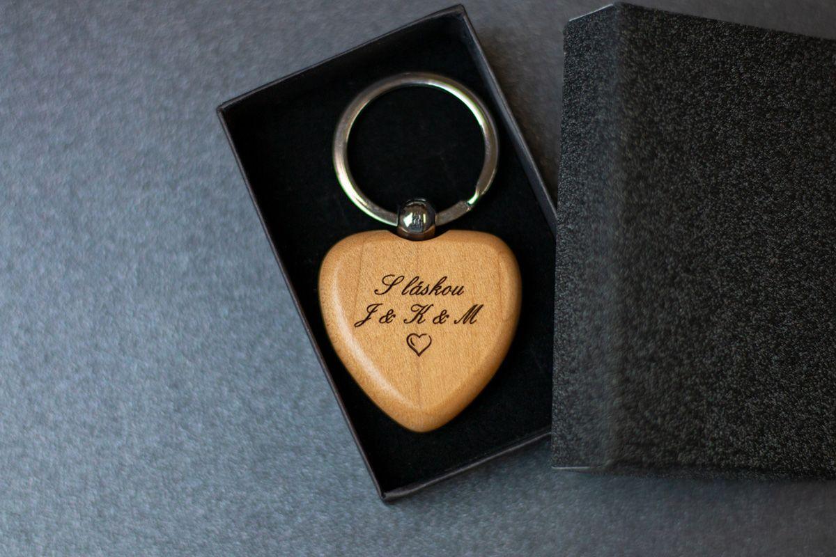 Dřevěná klíčenka s vlastním textem