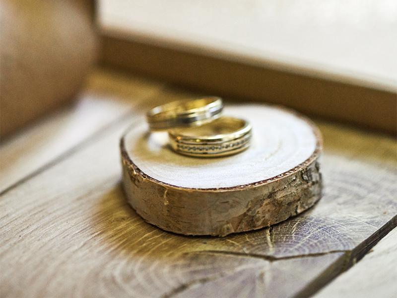 Dřevěné jmenovky s gravírováním - suk