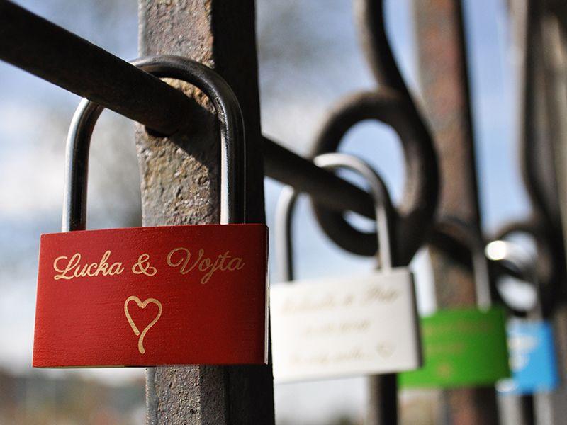 Zámek lásky se jmény - červený