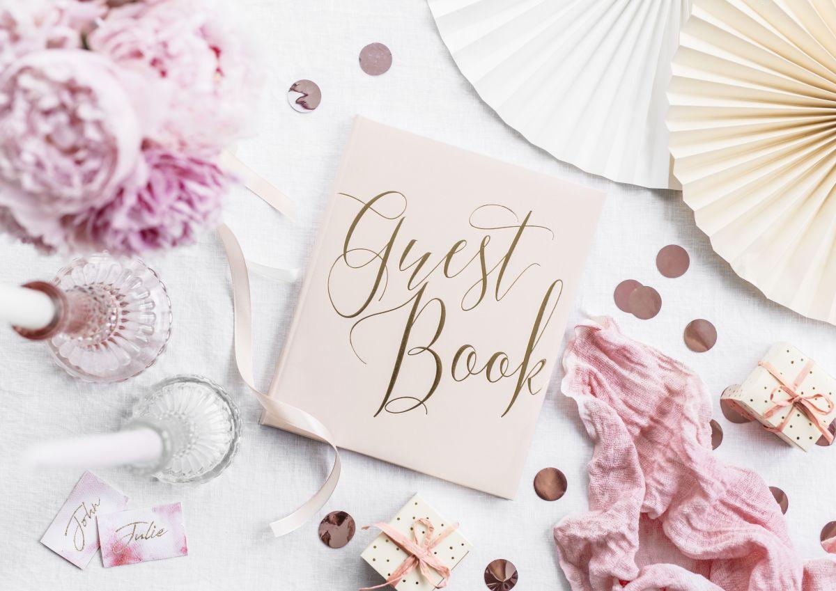 Kniha hostů - pudrově růžová