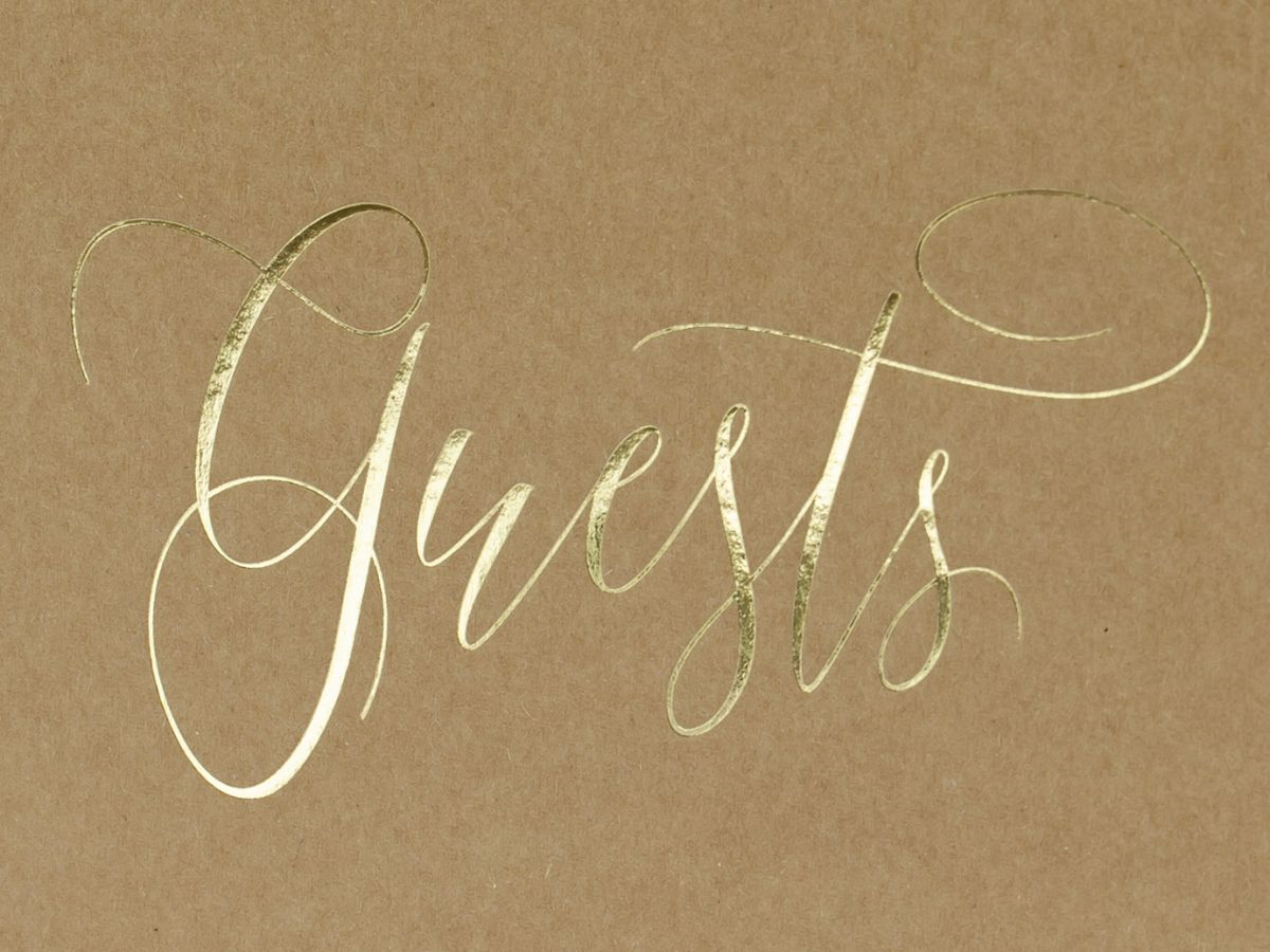 Kniha hostů se zlatým Guests
