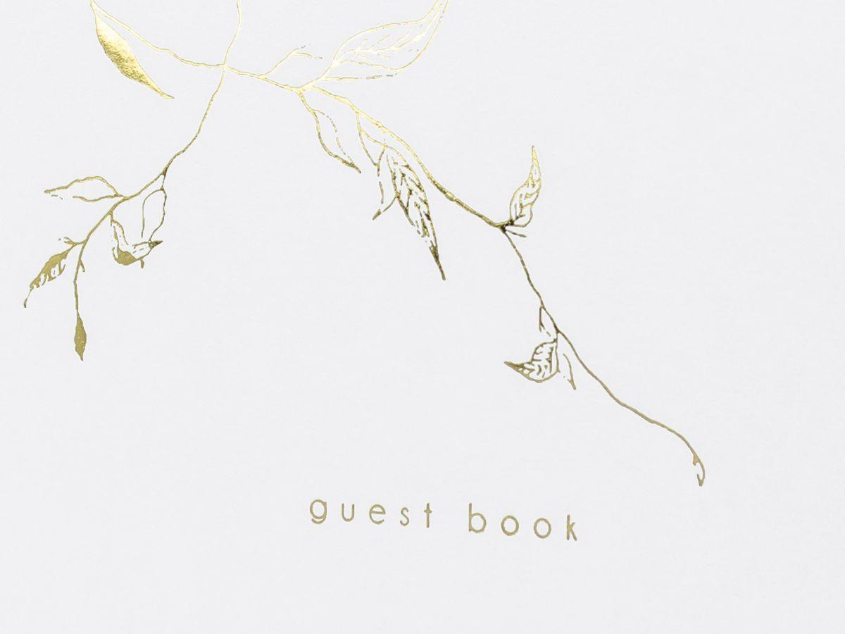 Svatební kniha hostů se zlatými lístky