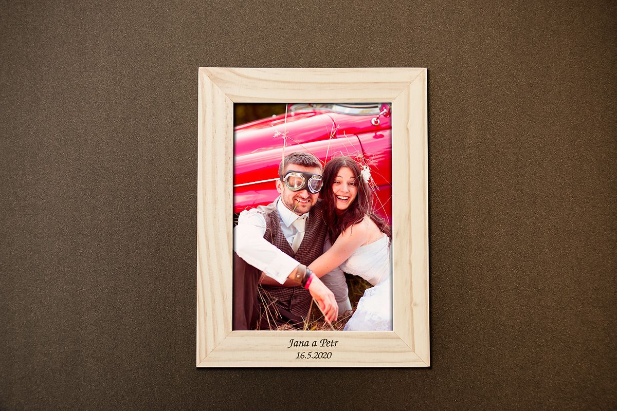 Dřevěný rámeček na fotku 13x18 cm s vlastním textem