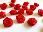Saténové růžičky červené